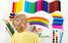 nino_pintando