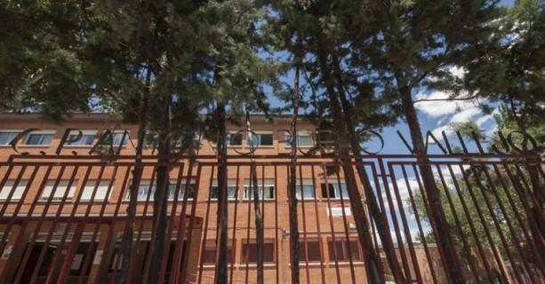 Fachada principal del colegio Buero Vallejo de San Sebastián de los Reyes
