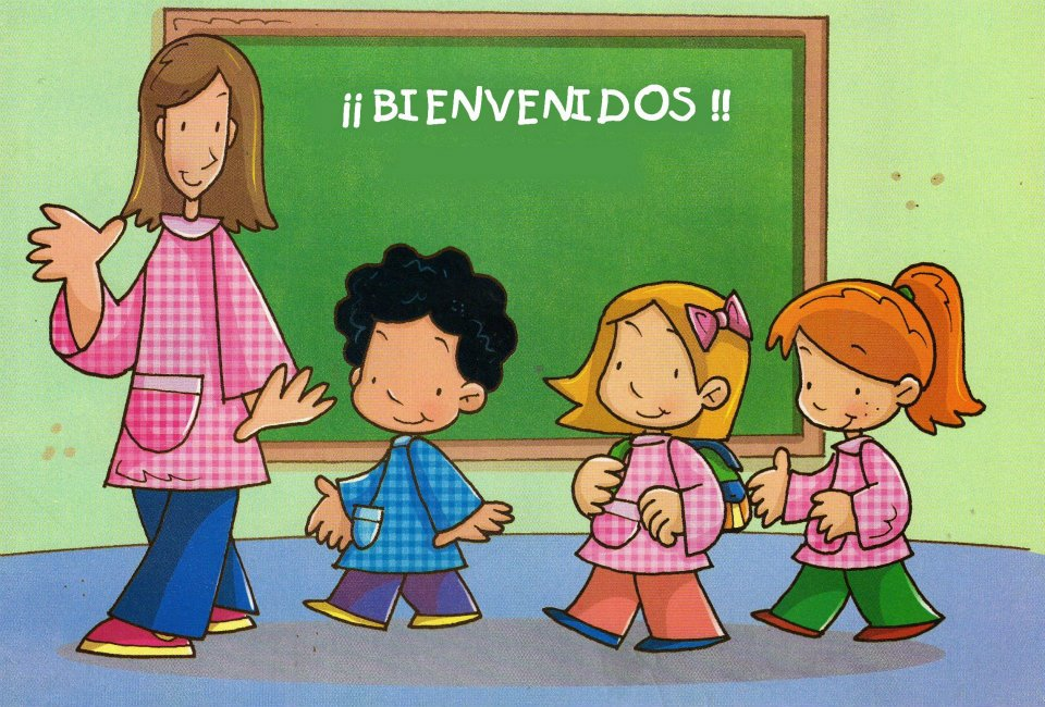 Profesora da la bienvenida a los nuevos alumnos
