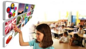 Alumnos aprendiendo nuevas cosas gracias a las Nuevas Tecnologías en las aulas