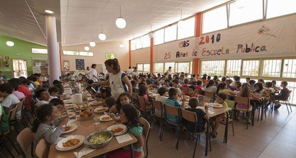 Adquirir hábitos saludables a la hora de comer también forma parte de la educación impartida a los alumnos del colegio Buero Vallejo